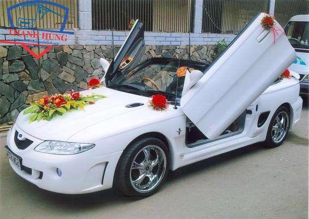 giá thuê xe hoa