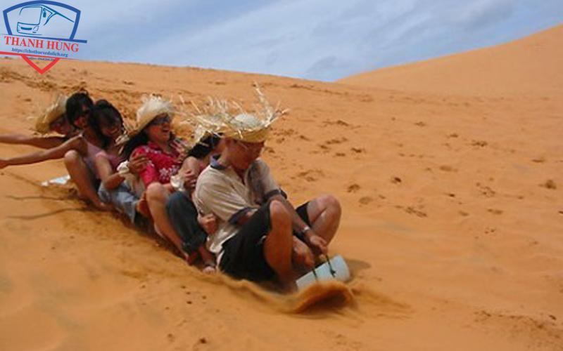 đồi cát đỏ mũi né
