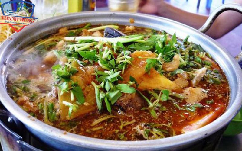Thuê xe đi Phan Thiết ghé ăn lẩu cá