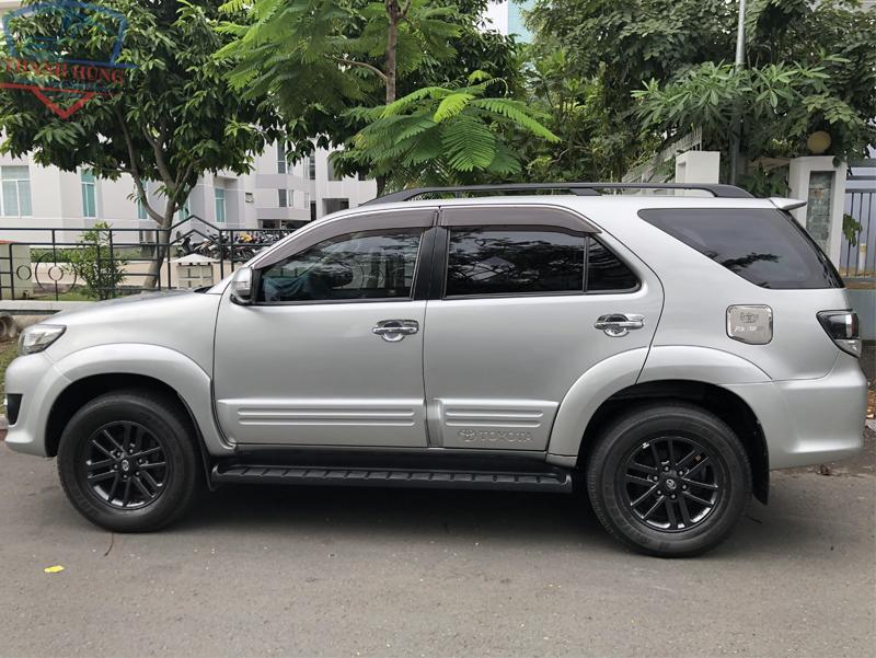Thuê xe Toyota Fortuner 2016