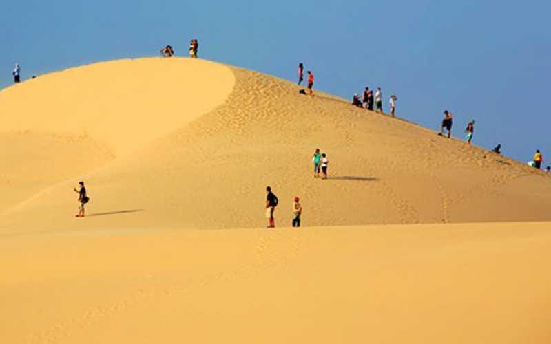 Chinh Phục đồi cát bay