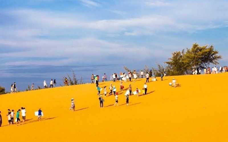 Đồi cát vàng
