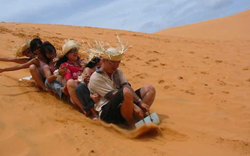 Trượt cát đồi cát vàng