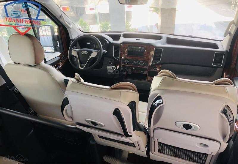 Cho thuê xe 16 chỗ Hyundai
