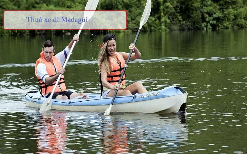 Chèo thuyền tại kdl Madagui