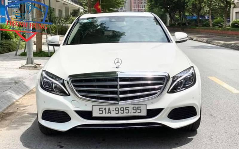 Cho thuê xe Mercedes C300